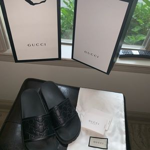 Black Gucci Leather Signature Slides